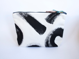 kl-large-pouch01